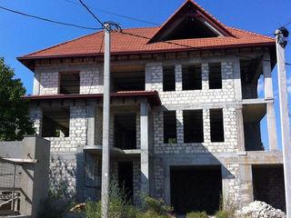 Casa cu 4 nivele - 420 m2 - Schinoasa, Telecentru