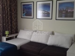 Chirie  Apartament cu 2 odăi, Centru,  str. Ștefan cel Mare, 300 €
