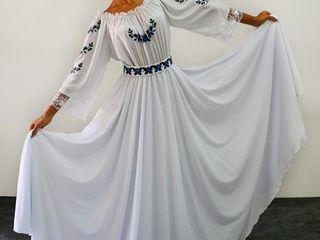 Костюмы и платья для любых мероприятий, Costume pentru orice evenitent, festivitatea