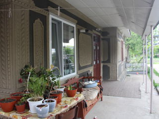 Se vinde casa mobilata cu toate comunicatiile in Glodeni