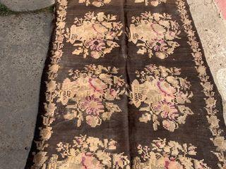 Молдавские ковры тканые.