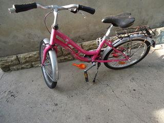 Vind bicicleta pentru fetita adusa din germania starea ideala