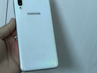 Samsung A70 6/128gb
