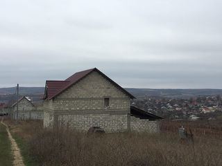Se vinde casă de locuit, nefinalizată, etaj+mansardă, teren 0,074 ha, Bacioi, Chisinau