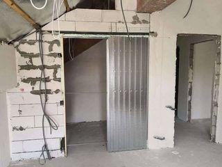 Mecanism pentru usi glisante ascunse/скрытые раздвижные двери