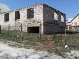 недостроенный дом + доплата на 1 квартиру в Кишинёве