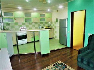 Se oferă spre chirie apartament cu 3 camere Sec. Centru str. Testimițeanu