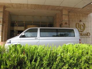 Пассажирские перевозки  Volkswagen Caravelle / 2010 год / 9 мест  Салон - люкс, кондиционер, DVD. На