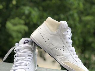 Nike,прикольные  кроссовки низкие подошвы,размер 42
