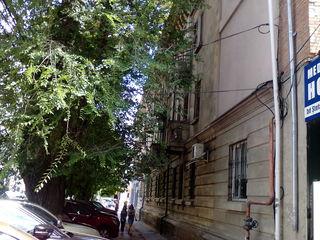ЦЕНТР, 3-ком квартира СТАЛИНКА С ПРИСТРОЙКОЙ на Штефан чел Маре