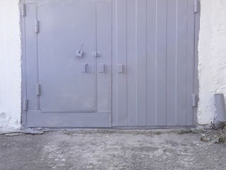 Продам капитальный гараж с подвалом в центре