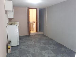 Camera cu intrare separată 18m2 toate comoditatile,nui agenție!!!