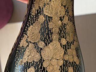 Оригинальные высокие вазы для цветов, б/у в хорошем состоянии: красная-270 лей, чёрная, с гравирован