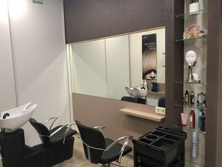 "Loc in chirie pt frizerita - Salon ""Marcella Estet"" !"