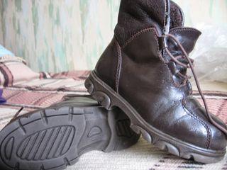 Обувь для мальчика разная