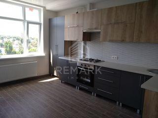 Chirie  apartament cu 3 odăi, Centru, str. Gheorghe Cașu, 400 €