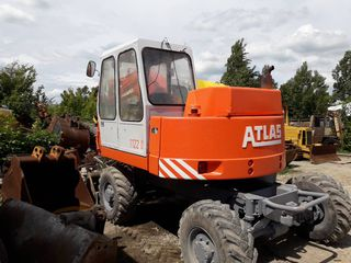 Atlas 1122 excavator