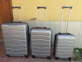 Чемоданы,valiza 3 в 1-ом,Три чемодана за 1975 лей,разных цветов по привлекательной цене,доставка.