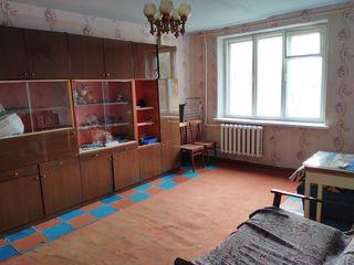 Продаётся 2-х комнатная квартира по улице Октябрьская 15А