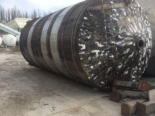 Цистерны,Резервуары, Нержавеющие 50,0 куб/м для воды, пищевых и химических продуктов-КАС-32