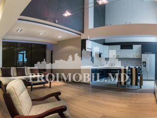 Apartament ''de Lux''! 4 camere, cu terasă, Centru capitalei!