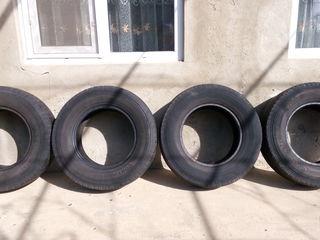 Vind 4 anvelope: R15 C 225/70