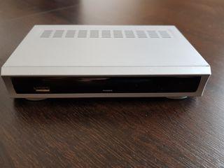 Vind tuner TV + router internet