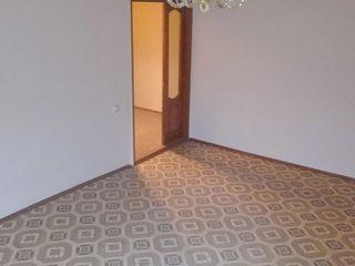 срочно продам квартиру в центре города Флорешты - можно оплатить в рассрочку