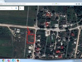 Teren sub construcție, loc de casă 12 ari, la intrarea în satul Miclești.