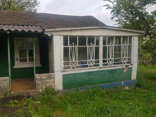 Casa cu 50 sote  Lipnic r.Ocnita