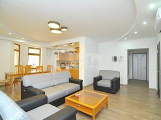 Apartament cu 3 camere, str. Ștefan cel Mare, Centru, 850 € !
