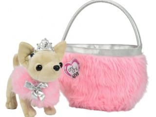 Собачка чихуахуа в сумке