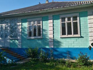 Casa in Blesteni , 12 km de la Edinet