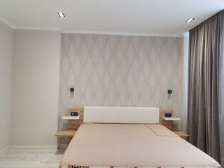 Preţ Bun! Apartament cu Reparație 65 m.p 2 camere + living/ zonă de Parc !