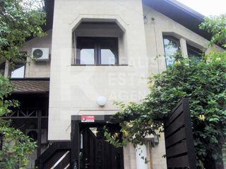 Chirie, casă,3 nivele, strada Cireșilor, Centru