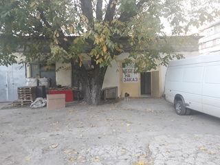 Oferim in chirie spatiu pentru depozit sau producere, Botanica, 130 m2