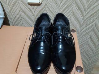 Женские туфли размер 38.