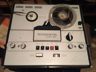 "Катушечный магнитофон ""Комета МГ-209"""