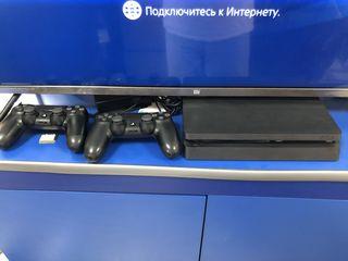 Playstation 4 Slim 500GB + 2 джостикп + 7 игр
