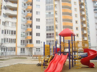 centru, Valea Trandafirilor, apartament - lux- 300 euro