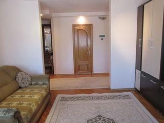 Se vinde urgent apartament în casă nouă, s.Centru,str.P.Movila,23/1; Mobilat şi utilat.Merita de vaz