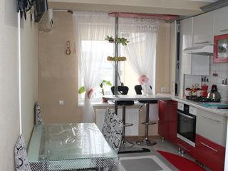 Apartament cu 3 camere, bloc nou, euroreparație, mobilă hand made!