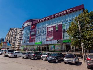 Se dă în chirie spațiu comercial, str. M. Sadoveanu, CC Palmira 840 €