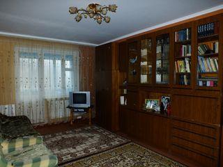 vind apartament cu 2 camere in Rezina