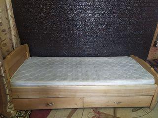 vind pat din lemn 2000lei si masa500lei
