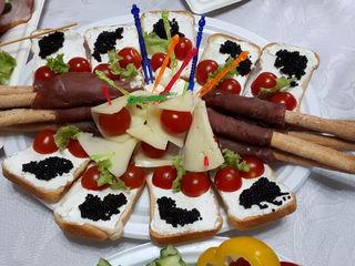Pregătesc mese festive  !!!