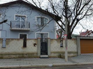 Casa pe pamint cu 2 etaje Chirie sau Vinzare