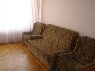 Centru, apartament cu o odaie, mobilat-- 70 euro-  Urgent