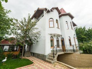 Casa cu 3 nivele, Râșcani, reparație euro, 550 mp, 890 € !