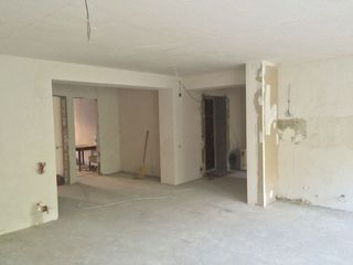 3 odai+salon,etaj 2/5.var. alba,102m2, Opel Centru!